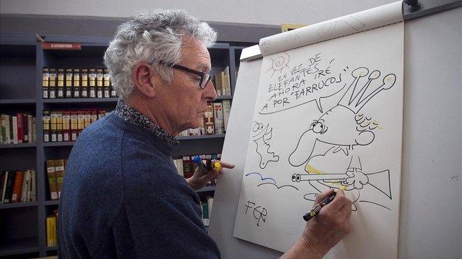 El dibujante Fer, en el 2012, en un acto de Dibujos y sonrisas' con estudiantes de un instituto del barrio del Besós.