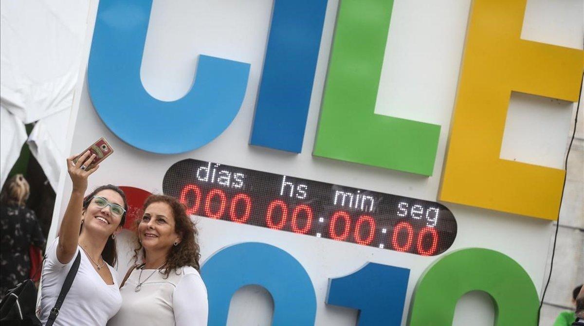 Selfi en la sede del congreso de la lengua en Córdoba.