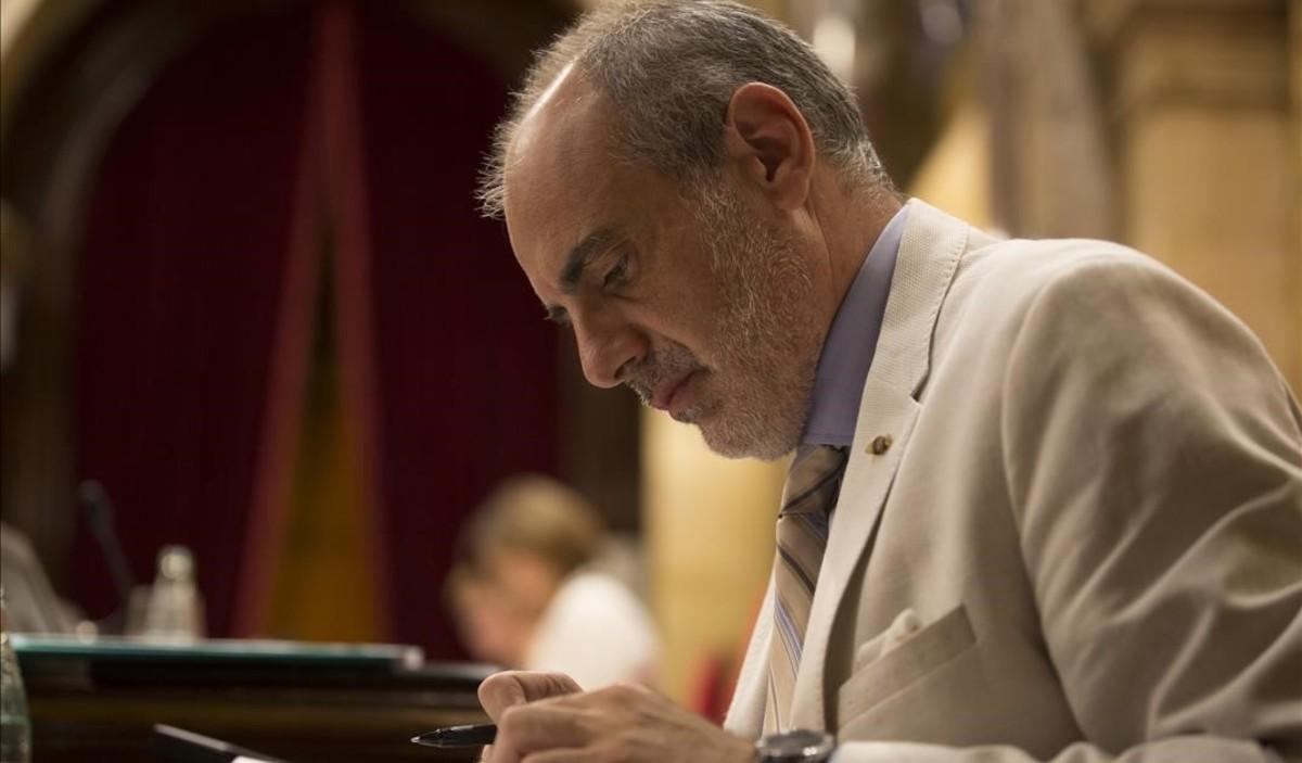 Joan Ridao en el pleno del Parlament.