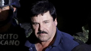 Joaquín Chapo Guzmán, escoltado por soldados en México, tras ser recapturado, el pasado 8 de enero.