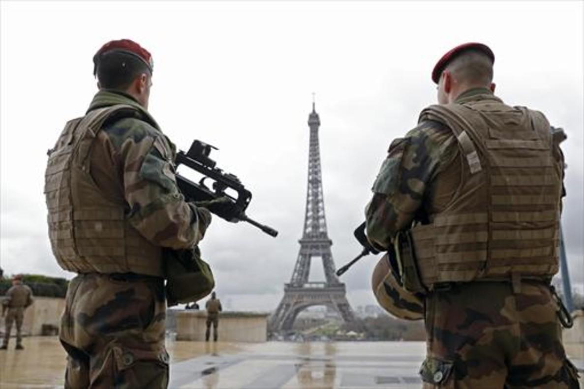 Francia congela bienes de dos iraníes y del espionaje por atentado frustrado