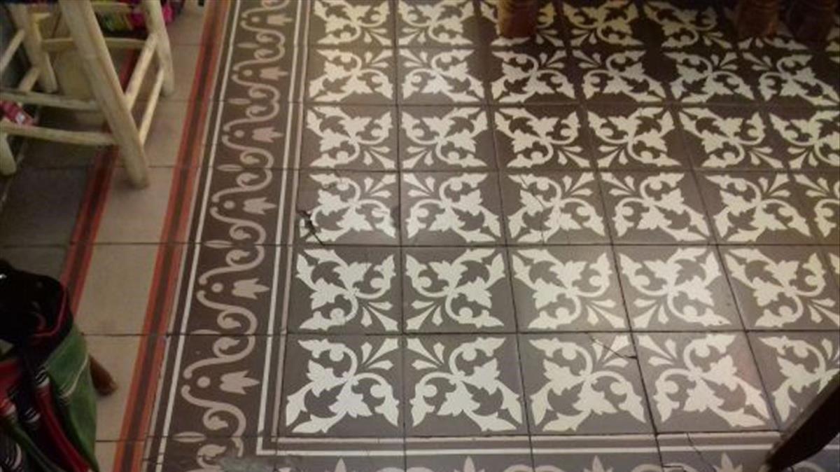 Mosaico hidráulico en Astúries, 38.