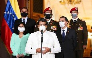 Nicolás Maduro y parte de su gabinete con mascarillas por el coronavirus.