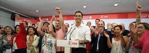 Pedro Sánchez tras ganar las primarias a la secretaría general del PSOE, ayer, en la sede del partido en Madrid.