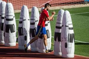 Piqué, en un entrenamiento de la selección española.