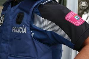 Un detingut per donar puntades de peu i cops de puny a l'estómac a la seva exparella embarassada