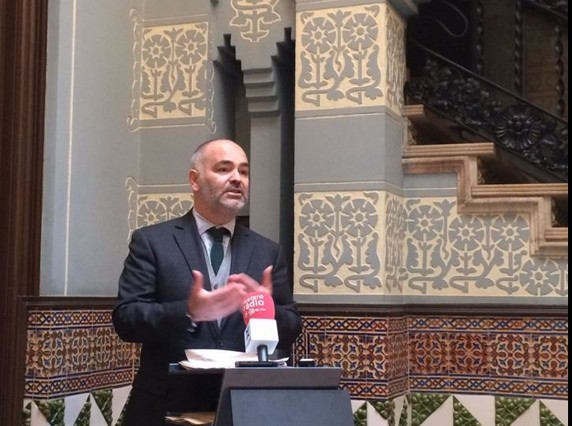 El presidente de la Fundació Iluro, Pere Carles, este lunes durante la presentación de la rehabilitación de la Casa Coll i Regàs de Mataró, propiedad de esta entidad.
