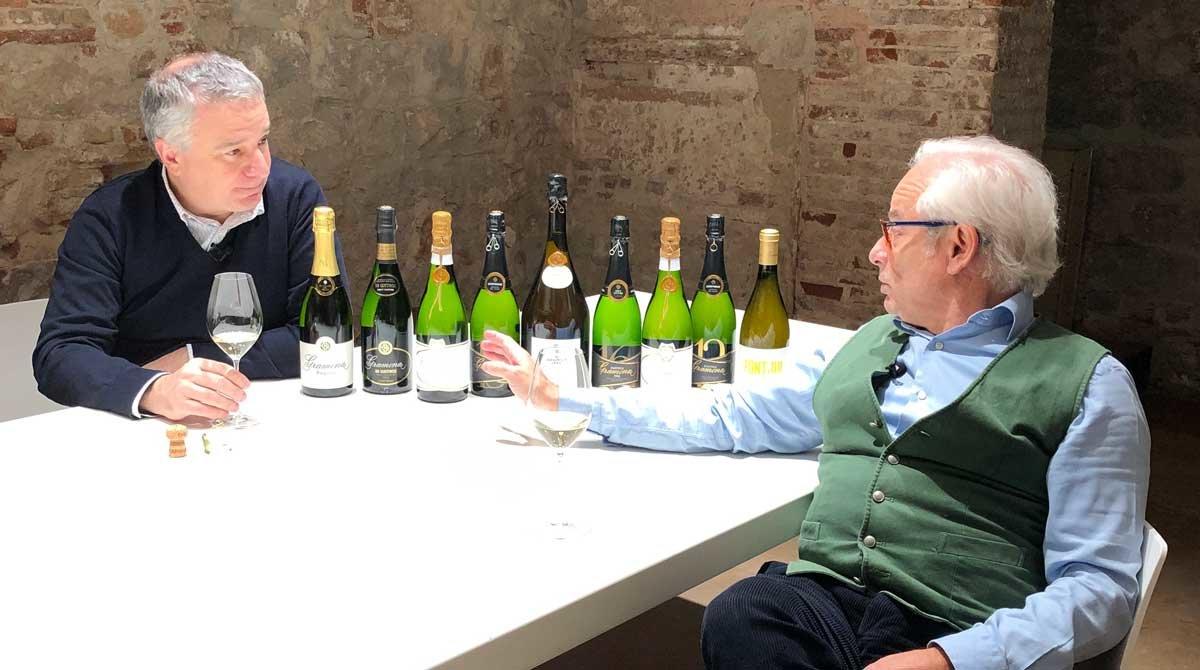 En la primera entregala periodista Anna Riera habla con Quim Vila, propietario de la tienda de vinos Vila Viniteca de Barcelona yXavier Gramona, copresidente de Bodegas Gramona.