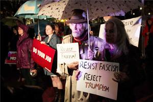 Protesta contra el presidente de EEUU, Donald Trump, en el exterior de la Casa Blanca.