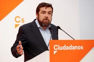 El secretario general del grupo parlamentario de Ciudadanos, Miguel Gutiérrez, durante unarueda de prensa.