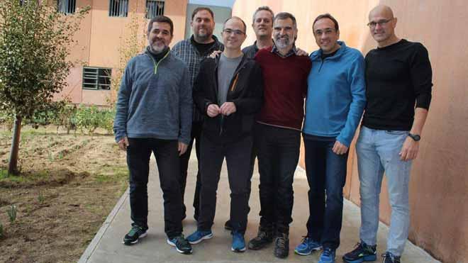 El Supremo avisa de que excarcelar a los presos del 1-O podría ser delito. En la foto, los políticos independentistas presos en la cárcel de Lledoners, en diciembre del 2018.
