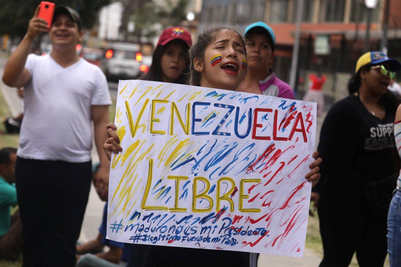 Venezolanos residentes en Perú protestan contra la segunda legislatura de Nicolás Maduro