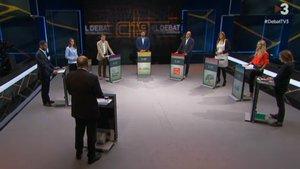 Vicent Sanchis (en primer término, de espaldas), en el debate de TV-3 y Catalunya Ràdio, este martes.