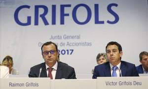 Els consellers delegatsde Grifols, Raimon Grifols iVíctor Grifols Deu.