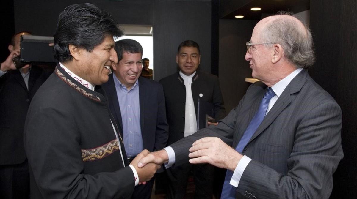 Brufau acuerda con Evo Morales más actividad en Bolivia