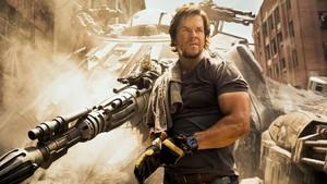 Mark Wahlberg en la película Transformers: El Último Caballero, estrenada este 2017