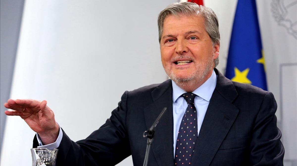 El ministro portavoz, Íñigo Méndez de Vigo, durante la rueda de prensa este viernes en la Moncloa.