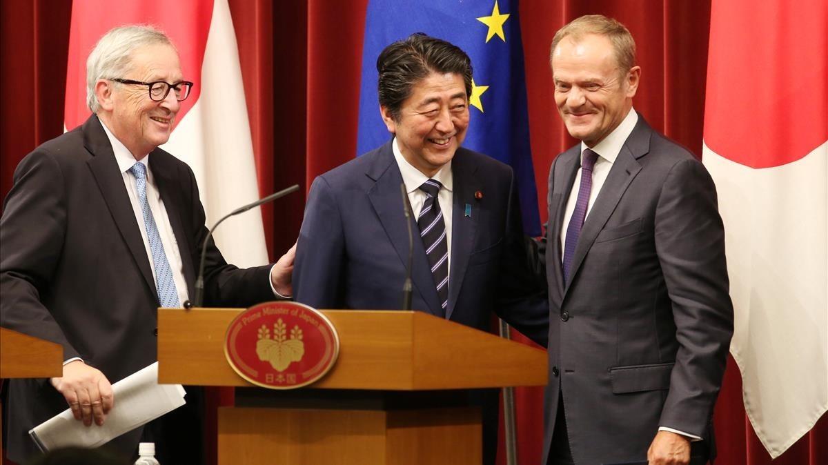 Europa y Japón firmaron ambicioso acuerdo de libre comercio — Mensaje a Trump