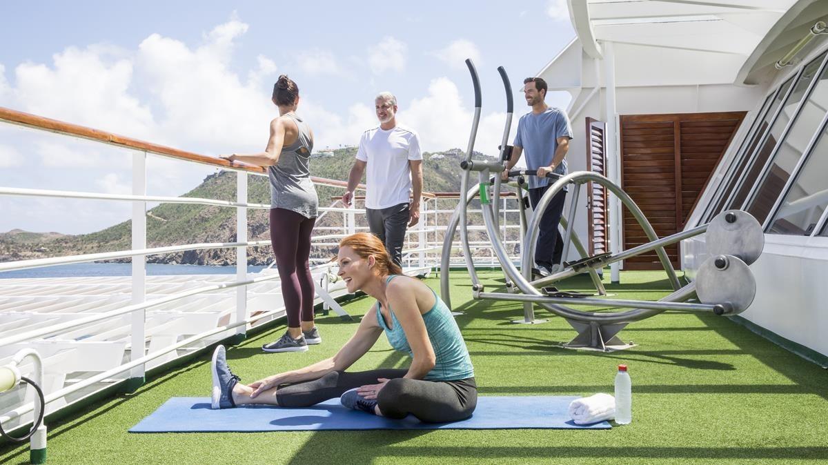 Zona de entrenamiento al aire libre en un buque de Crystal Cruises.