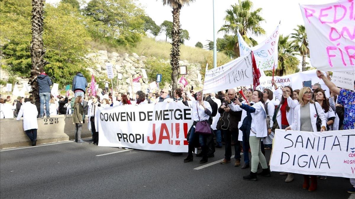 Manifestación de médicos de la concertada, el jueves en Barcelona.