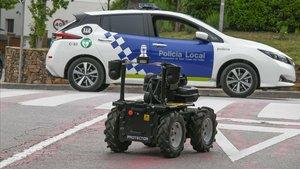 La policia de Sant Cugat inicia una prova amb un robot de patrullatge