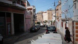 Detingut per haver arrossegat 50 metres la seva dona amb el cotxe a Barcelona