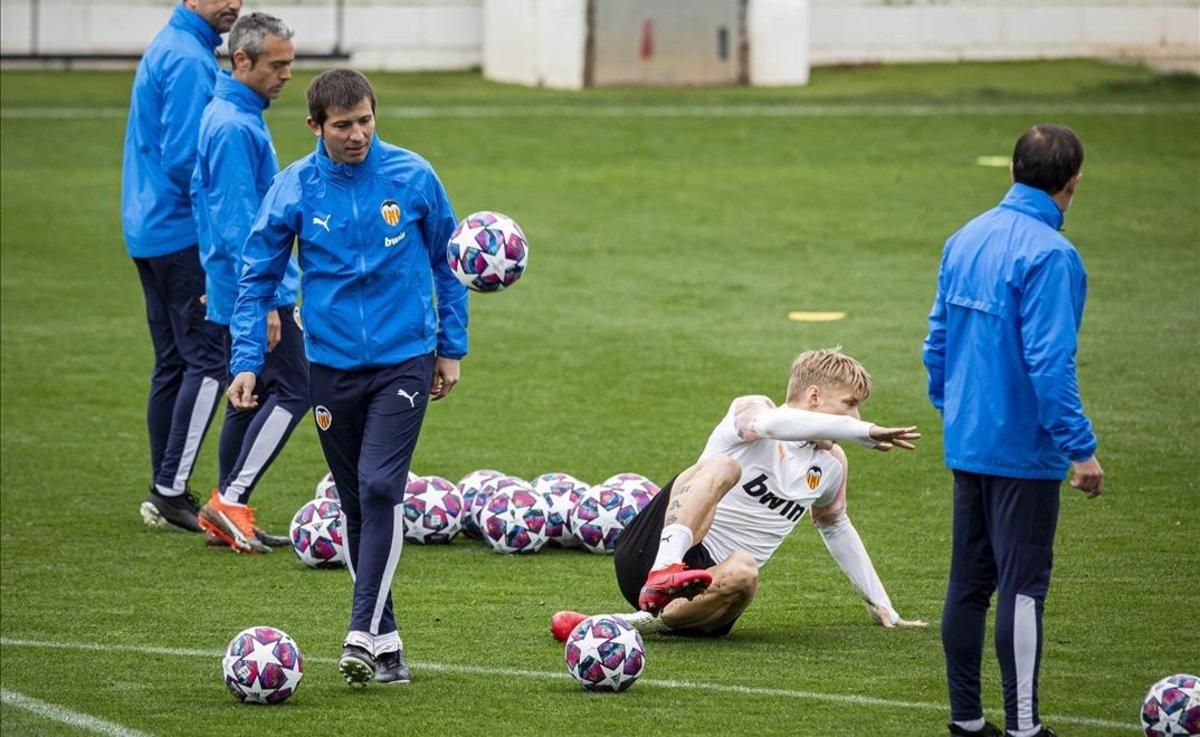 Entrenamiento del Valencia cuando todavía Celades era el entrenador.