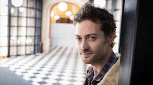 El actor Peter Vives en el Palau de les Heures de Barcelona.