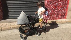 Cotxets de nadó 'desapareguts' surten a la venda a internet
