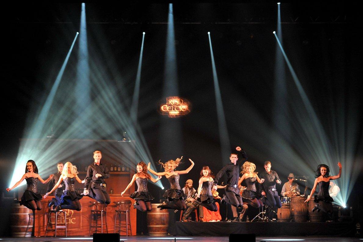 Un montaje espectacular en el que brillan los bailarines.