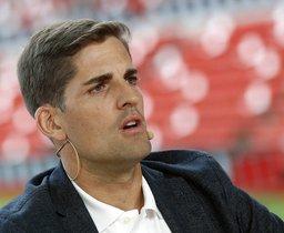 El seleccionador español, Robert Moreno, este lunes en Gijón en la presentación del España-Islas Feroe.