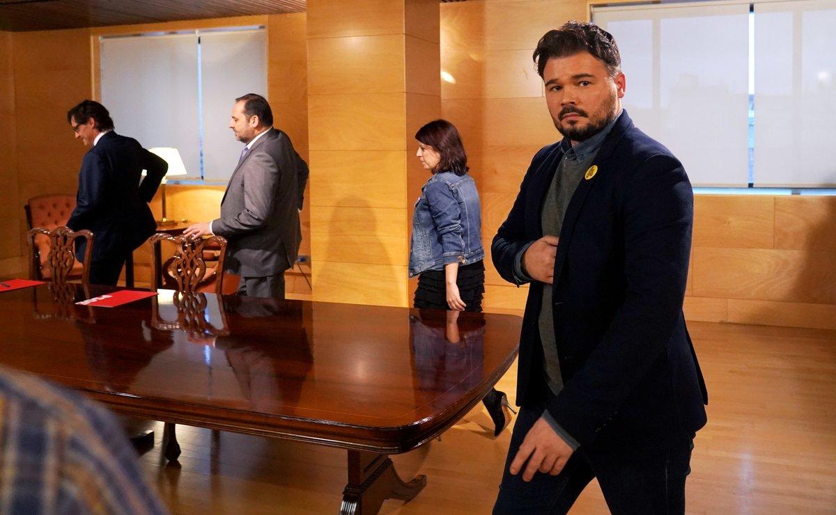 Gabriel Rufián, Adriana Lastra, José Luis Ábalos y Salvador Illa, en la reunión de equipos negociadores ERC-PSOE en el Congreso, este jueves.