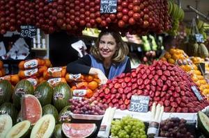 Puesto de frutas y verduras Macià del mercado del Ninot.