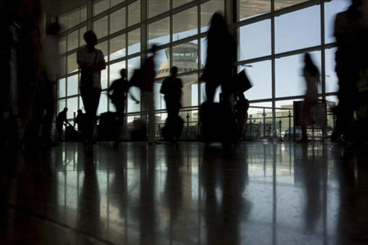 La CNMC ve errores en el cálculo de las tarifas aeroportuarias de Aena