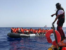 Els migrants a bord de l''Ocean Viking' relaten la seva dramàtica fugida
