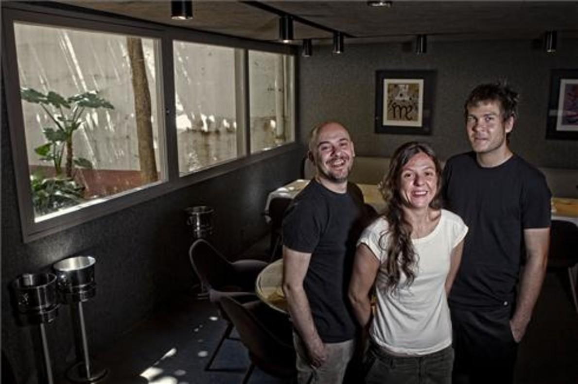 Albert Ventura, Janina Rutia y David Rustarazo, en una de las salas de Coure. Foto: Joan Cortadellas