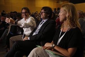 Artur Mas, Carles Puigdemont y Neus Munté, en el congreso de refundación.