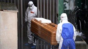 Cómo decir adiós a un abuelo del que te ha separado la pandemia del coronavirus