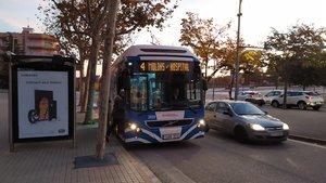 La línea 4 de autobús de Mataró recupera los servicios de fin de semana y todas las paradas.