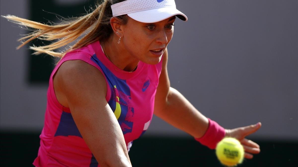 Badosa, en su duelo con Stephens en Roland Garros.