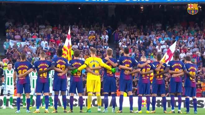 El Barça rinde su homenaje a las víctimas del 17A con un vídeo de recuerdo.