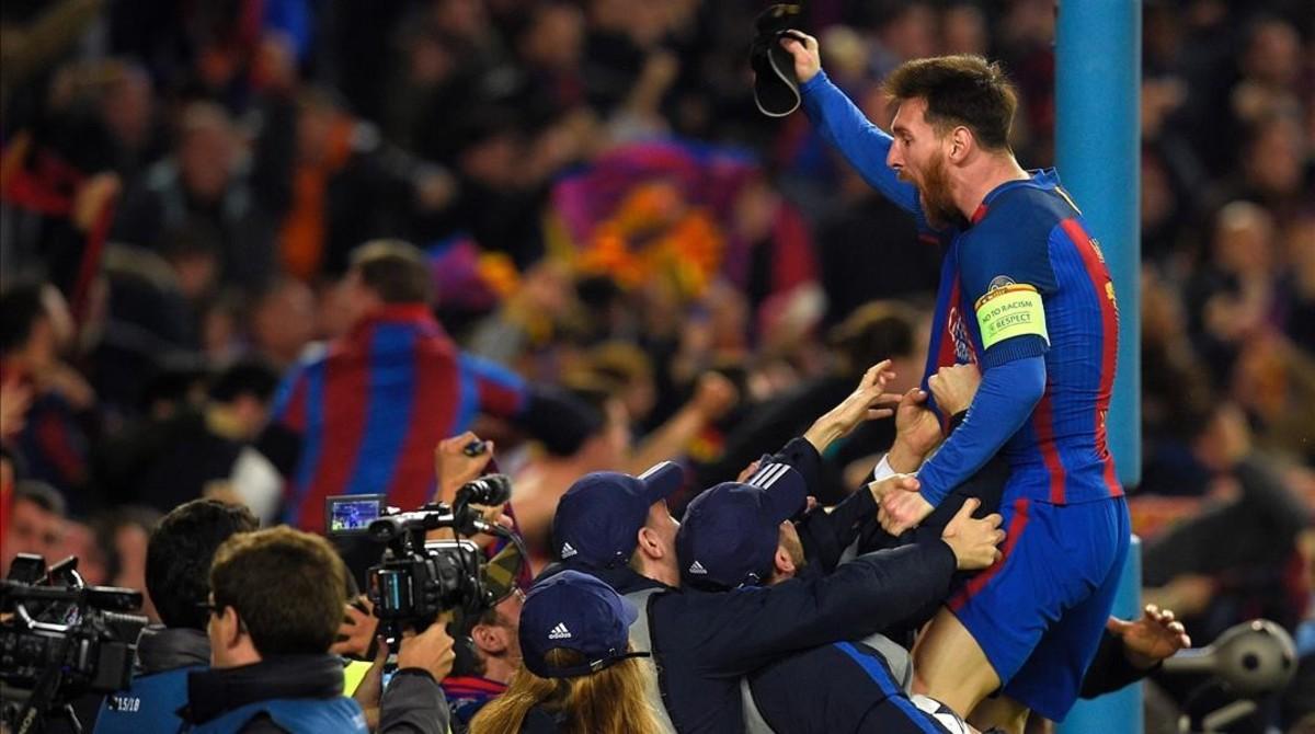 Messi celebra la histórica victoria del Barça ante el PSG en la Champions (6-1).