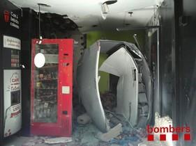 Imagen del estado del establecimientotras laexplosión en Tarragona.