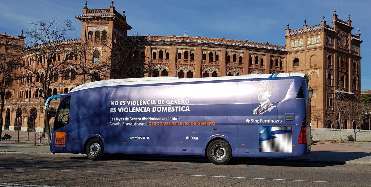 El autobús de HazteOir circulando por Madrid.