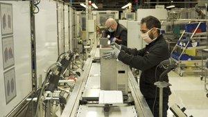 Respirador OxiGEN, producido en la planta de Seat de Martorell.