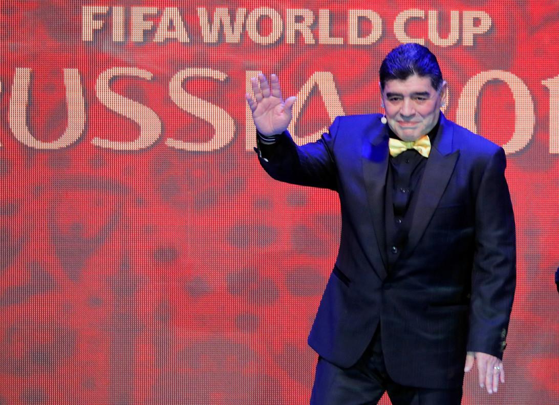 Maradona, durante el sorteo del Mundial de fútbol, en Moscú.