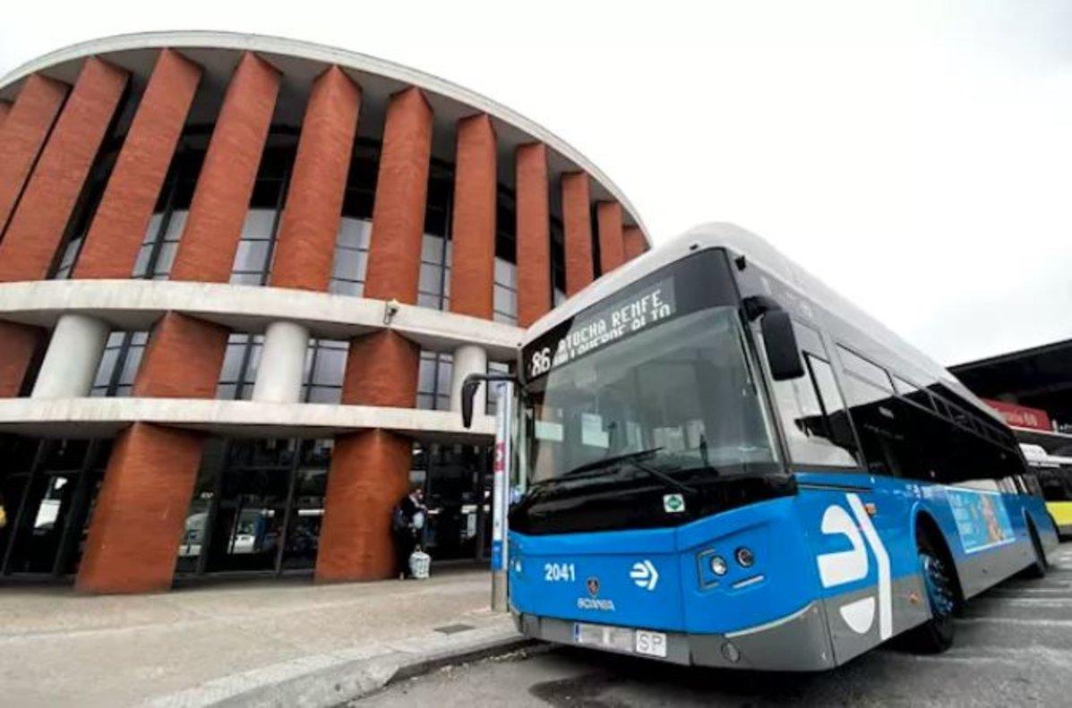 El Ayuntamiento cifra en el 50% el seguimiento de los paros en la EMT