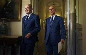 El entoncesvicepresidente del Gobierno de Política Territorial,Manuel Chaves, junto aJosep Antoni Duran i Lleida, en la última comisión bilateral celebrada en julio del 2011.