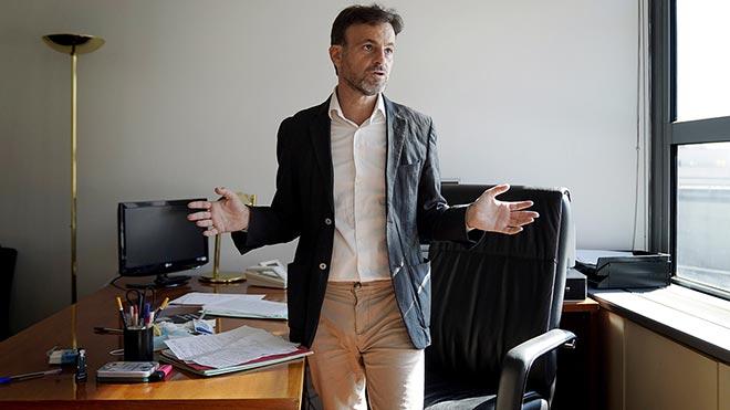 Jaume Asens en su despacho del Congreso de los Diputados.