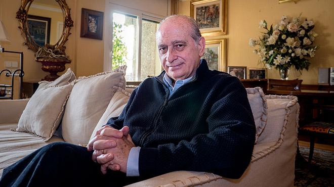 El exministro del Interior Jorge Fernández Díazrelata cómo ha superado el cáncer de hígado.